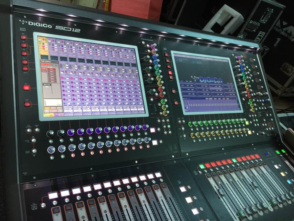 Mixer Console Digital (Digico SD12)