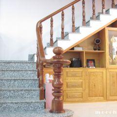 Tủ rượu gầm cầu thang 09