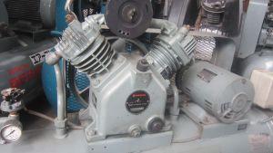 Máy nén khí piston Hitachi 2.2 kw