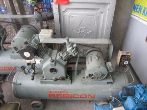 Máy nén khí piston Hitachi 3,7 kw -02