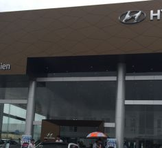 Showroom Hyundai Long Biên
