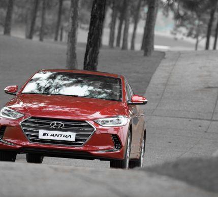 Hyundai Elantra 2016 chính thức được giới thiệu với 3 phiên bản; giá từ 615 triệu đồng
