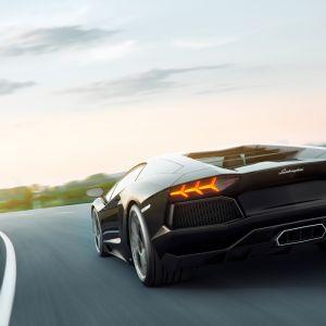 Siêu bò Lamborghini Veneno trên đường thử
