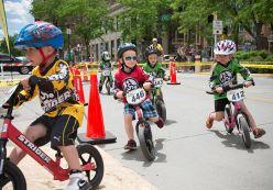 Những thiên thần nhỏ và Strider bike