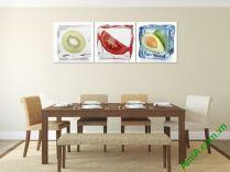 Tranh trang trí phòng ăn đẹp với hình hoa quả ướp đá