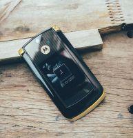 Điện thoại Motorola V8 luxury gold Edition chính hãng