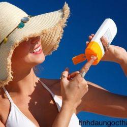Dầu massage hỗn hơp  dưỡng da, chống nắng, chống nhăn và làm trắng