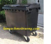 Thùng rác nhựa 660L 4 bánh xe màu đen