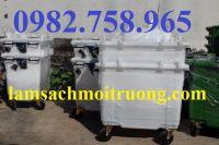 Thùng rác nhựa 660L 4 bánh xe màu trắng