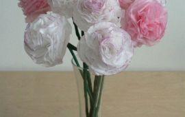 Hoa cẩm chướng làm từ giấy ăn cao cấp trang trí bàn tiệc thêm đẹp và sang trọng