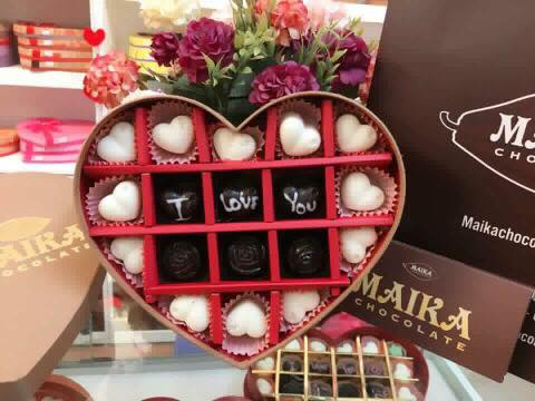 Hộp quà socola Valentine trái tim