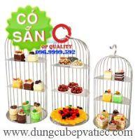 Lồng chim trưng bày bánh thức ăn tiệc buffet cao cấp