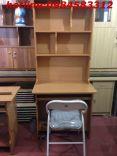 bàn học sinh kèm giá sách +ghế gấp kẻ