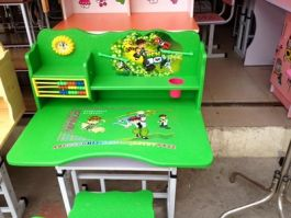 Bộ bàn ghế trẻ em màu xanh lá cây mẫu 01