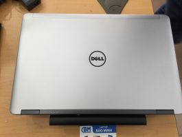 Dell Precision M2800/core i7-4800MQ/8gb/500gb/AMD W4170M/FHD