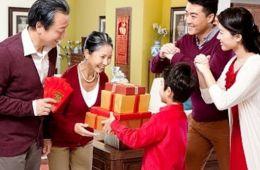 Những món quà ý nghĩa cho trẻ ngày Tết