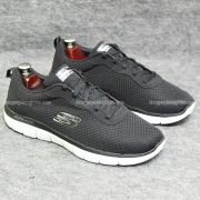 Giày Skechers chính hãng giá thơm 2018