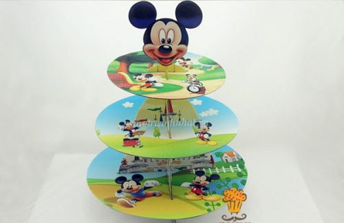 Tháp để bánh Mickey