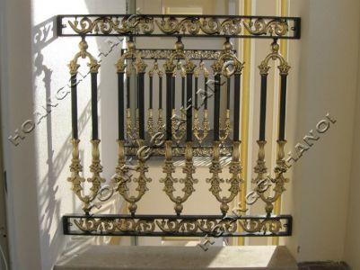 Những mẫu làn can cầu thang đẹp làm từ đồng đúc sang trọng, đẳng cấp
