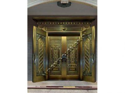 Cửa cổng bằng đồng đúc Hoàng Gia Hà Nội