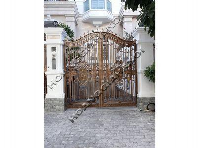 Mẫu cổng đồng đúc được khách hàng yêu thích nhất hiện nay