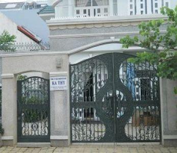 Cửa cổng nhôm đúc cho biệt thự