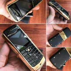 Vertu Constellation Black Ceramic Keys Gold