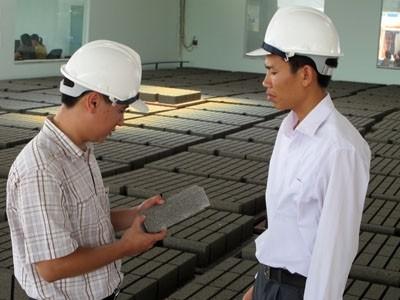 Phát triển gạch xi măng cốt liệu: Góc nhìn đa diện