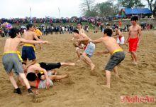 Độc đáo trò chơi dân gian Vật Cù trong Lễ hội đền Bạch Mã