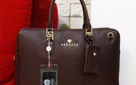 Nam giới mang túi xách có phải là điệu?